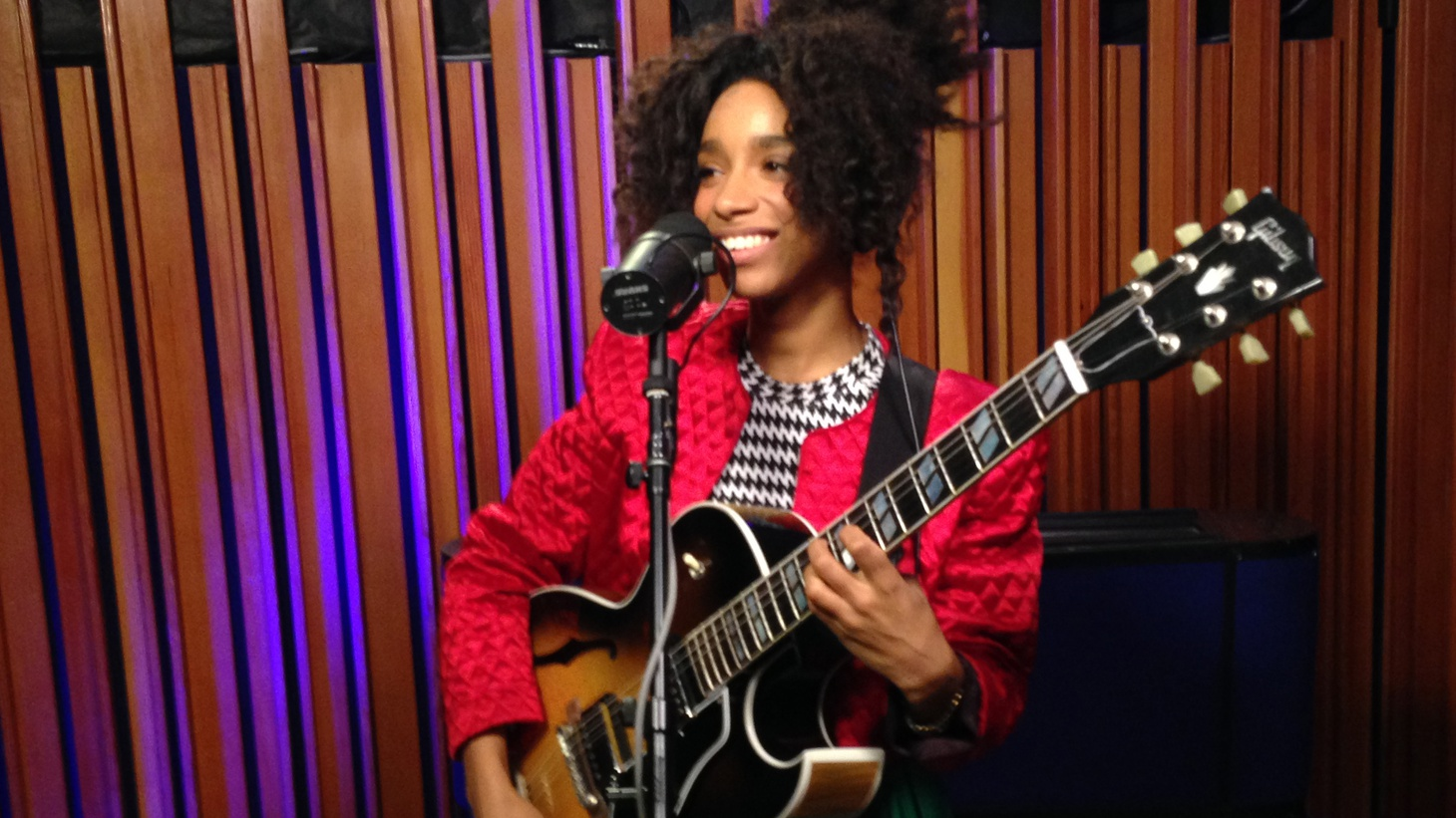 Lianne La Havas is a powerhouse performer with uplifting, soulful pop songs that are playful yet intimate. She's engaging on every level and full of heart.