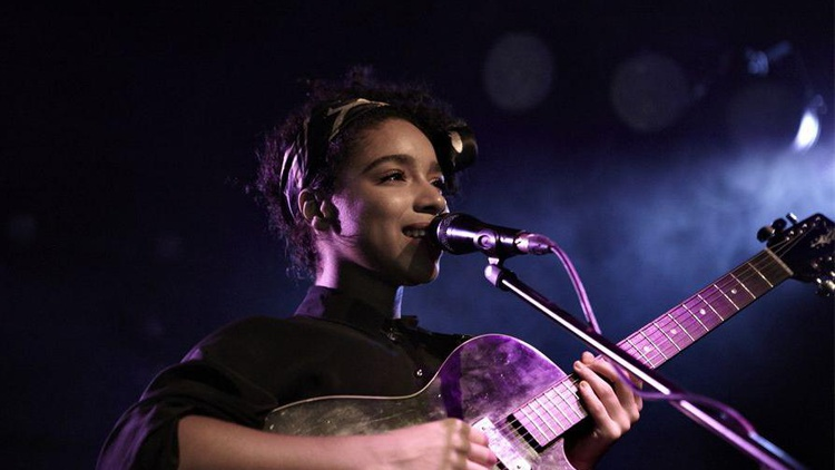 London's Lianne La Havas is a stunning newcomer with a soulful voice and incredible depth and range.