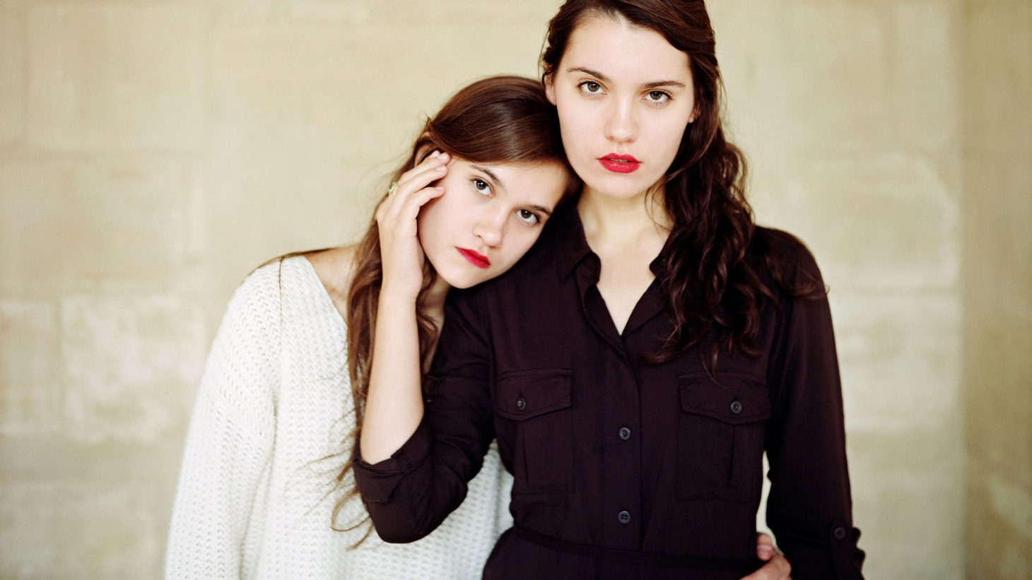 Folky teenage singing sisters Lily & Madeleine have a maturity that transcends their years.