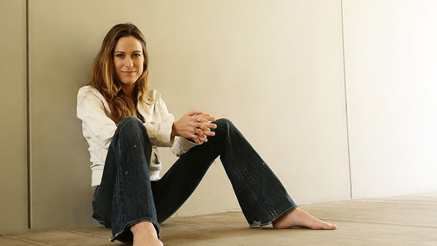 Liza Richardson sits in for Jason Bentley.