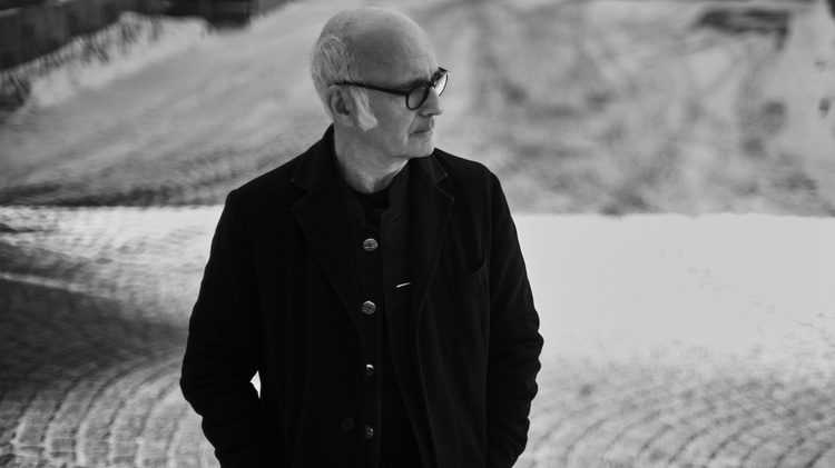 Pianist and composer Ludovico Einaudi performs live on MBE