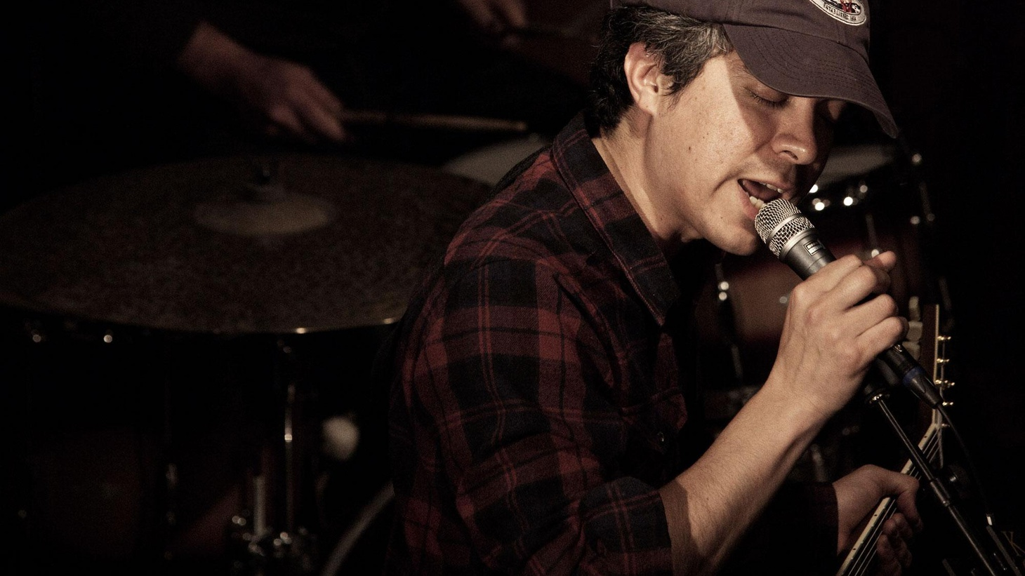 M. Ward's expressive songwriting and excellent guitar playing are on full display in a live set recorded in front of a small audience at KCRW's Apogee Sessions.