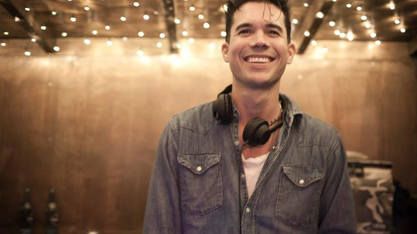 Matthew Dear is a longtime favorite among KCRW DJs and we're thrilled to welcome this techno-wunderkind turned rocker...