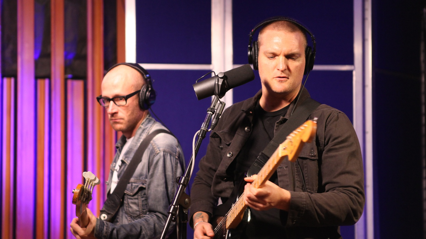 We feature two in-studio performances from L.A.'s own Cold War Kids and the young songstress Zola Jesus.