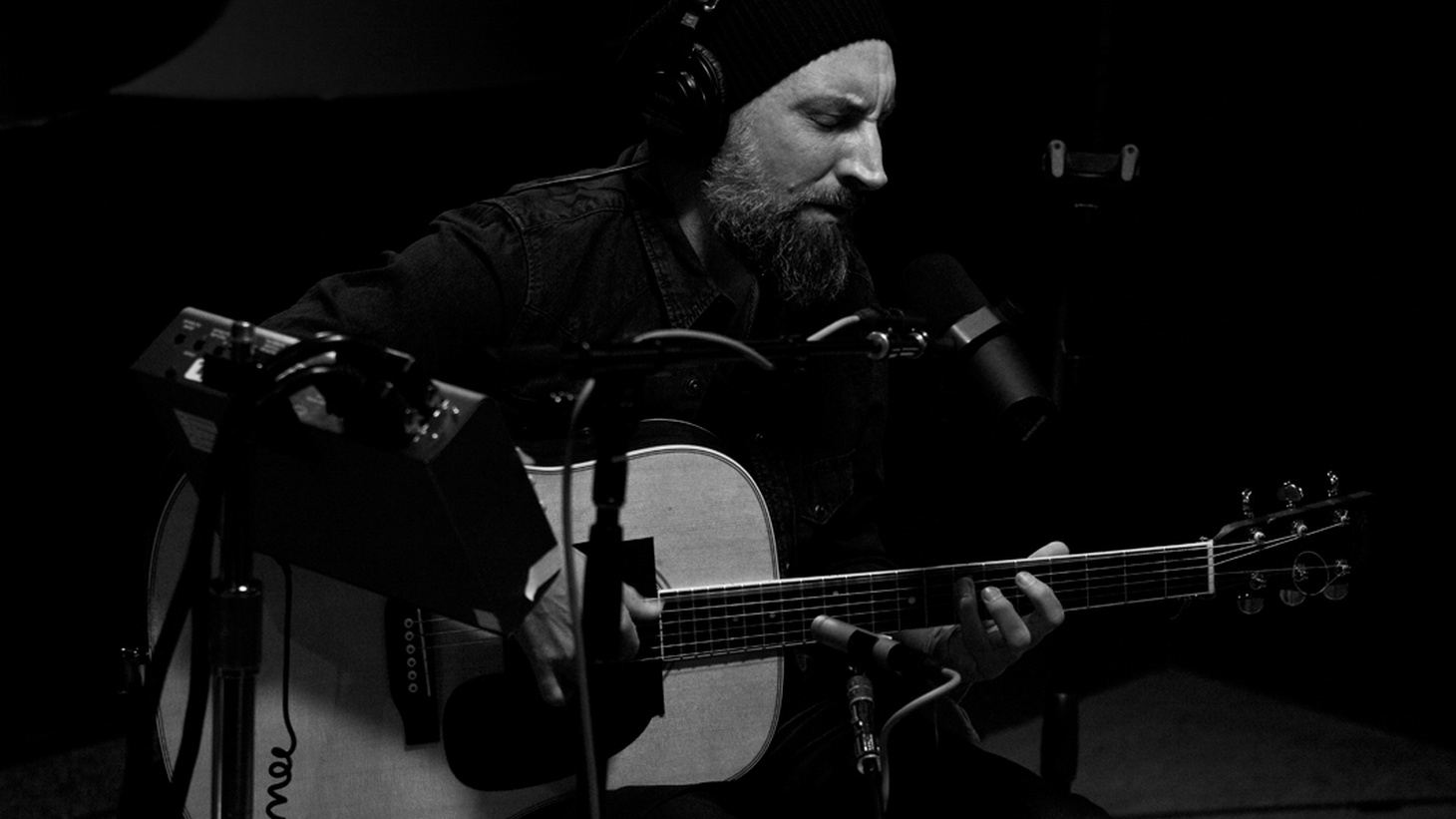 In this special edition of the Morning Becomes Eclectic podcast we feature the full live session from U.K. artist Fink.