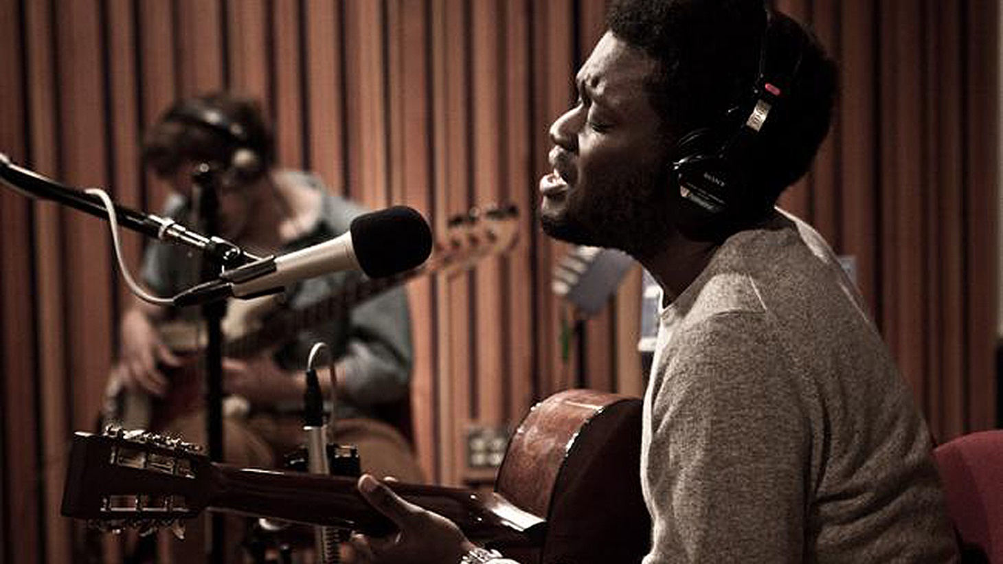 Michael Kiwanuka is a KCRW favorite. The UK artist became a quick favorite among our DJs and we hosted him for this live session around his first full length.