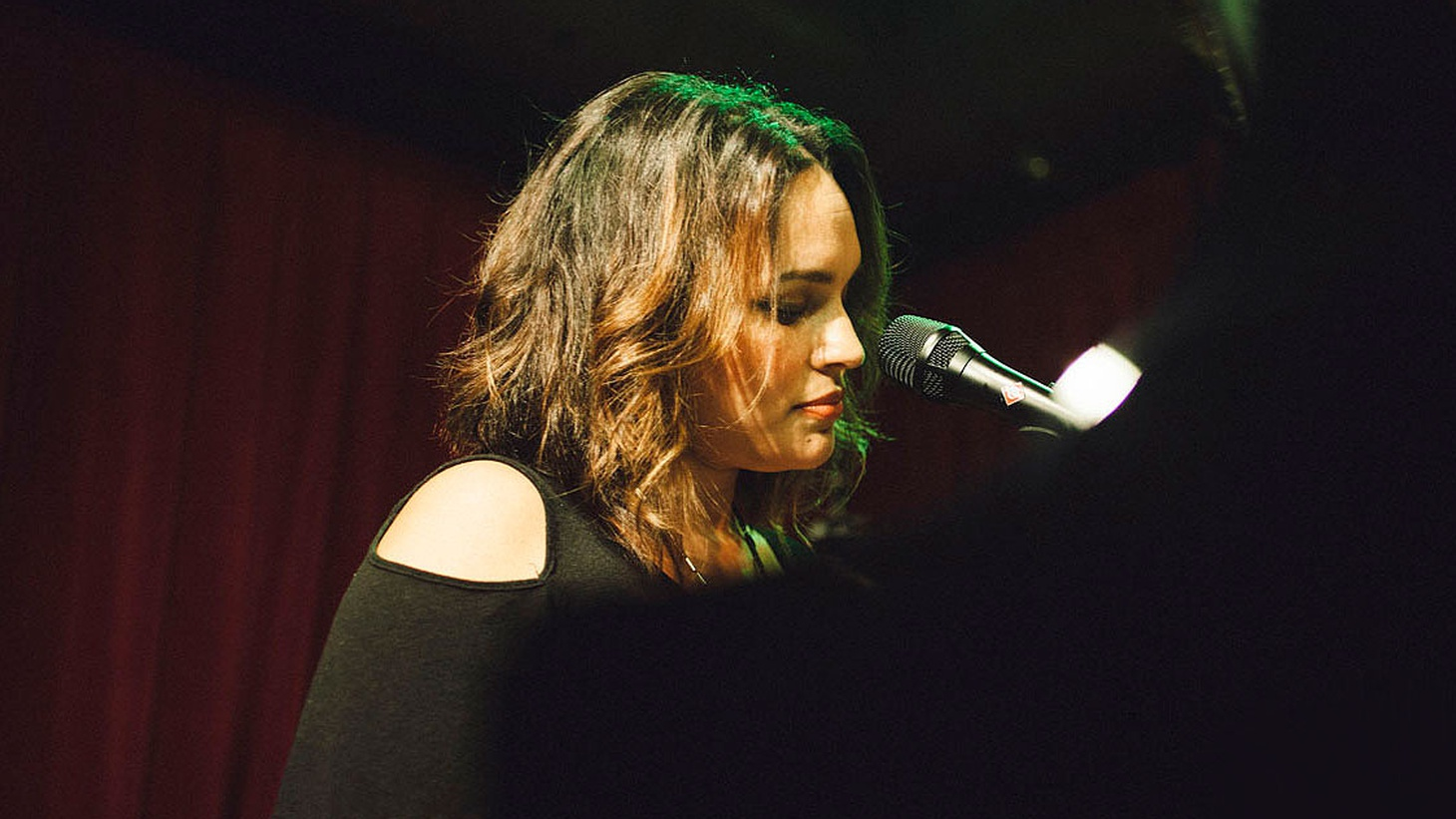 "Norah Jones' new album, Day Breaks, is being hailed as a ""kindred spirit"" to the singer's breakout debut, Come Away with Me."