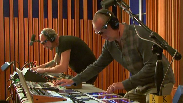 Throwback Session: Orbital live on MBE in 2012