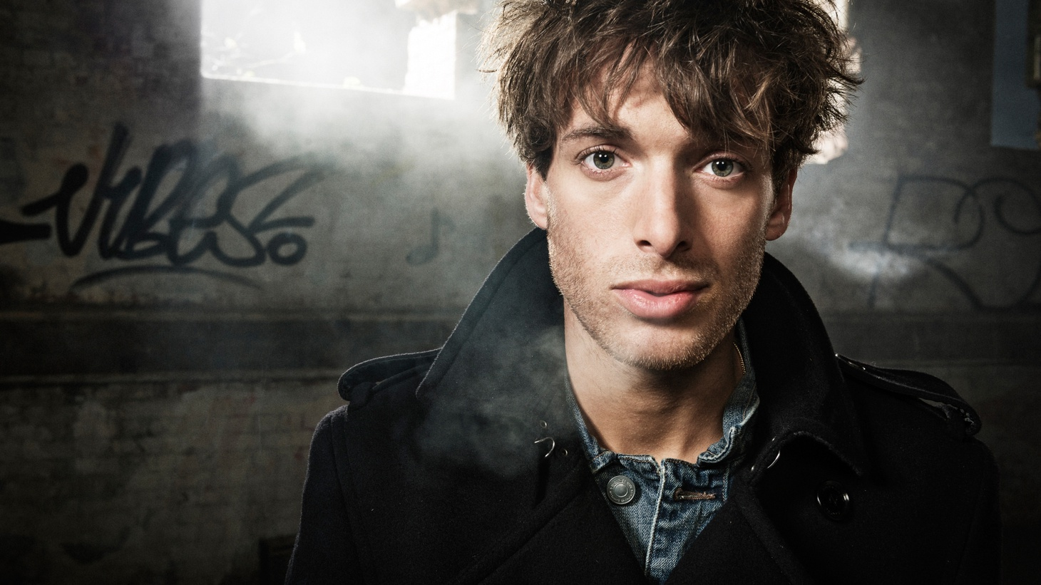 Scottish singer/songwriter Paolo Nutini is a household name across the pond. His excellent third album is a diverse collection of songs, including some bittersweet ballads. We'll hear it live on Morning Becomes Eclectic.