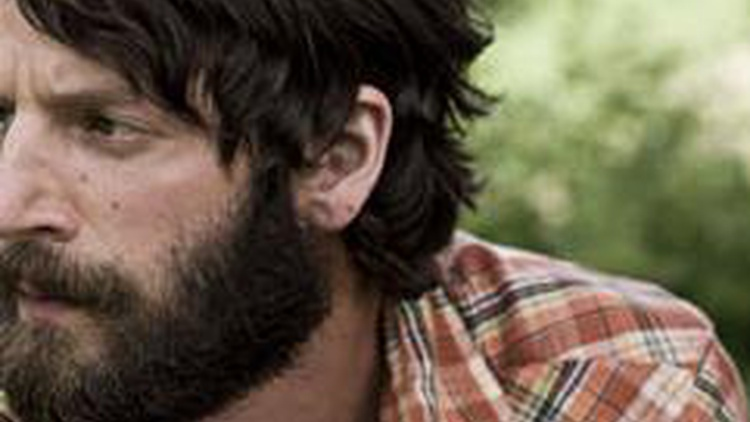 Singer Ray Lamontagne delivers strong songs with passion and grit.