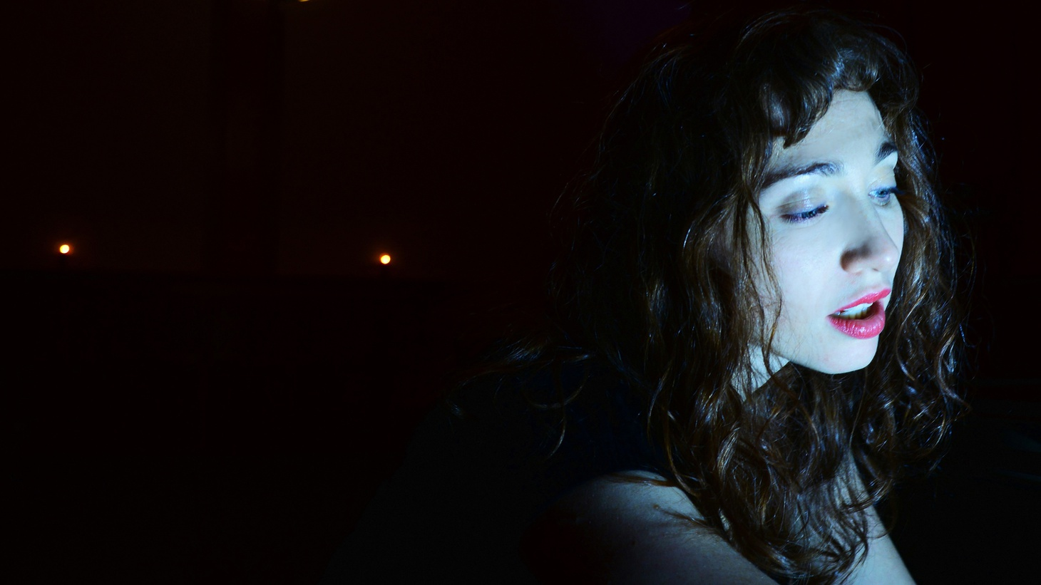 Singer-songwriter Regina Spektor plays a solo piano set live from our studios.
