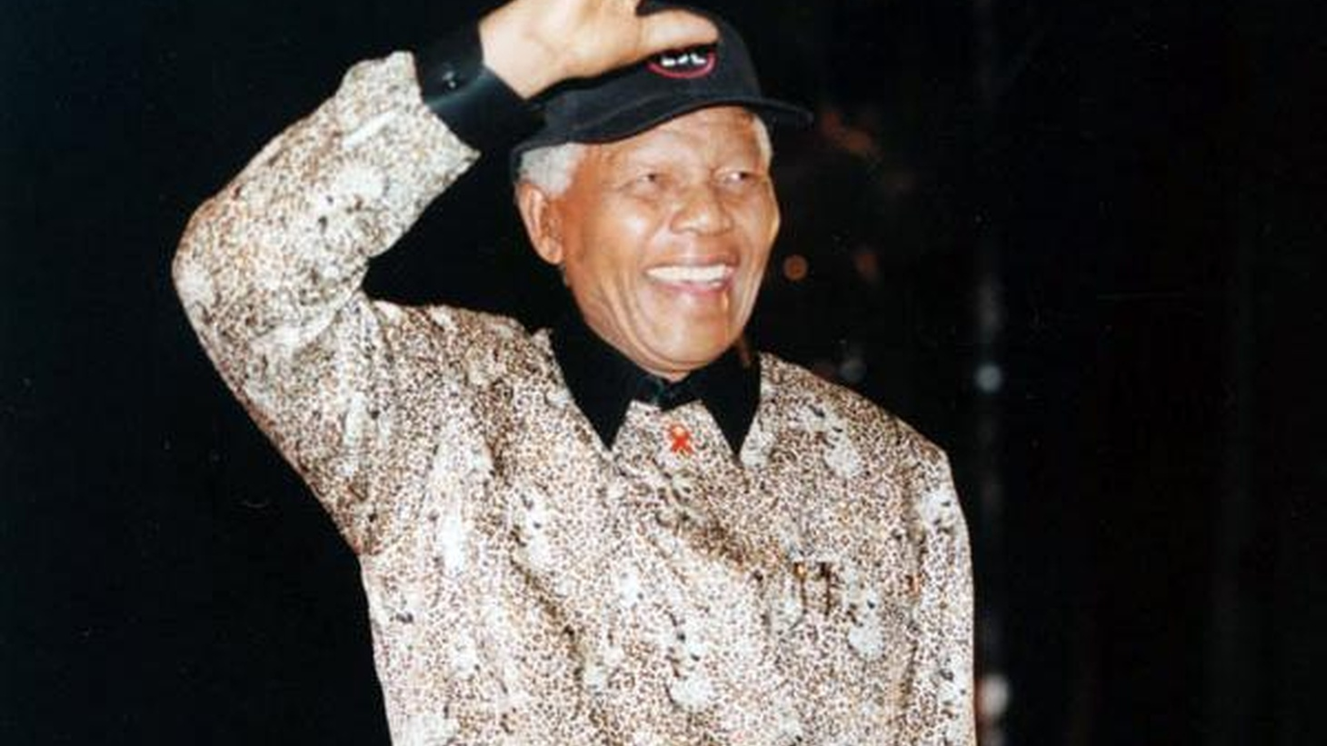 Tom Schnabel remembers Nelson Mandela in South African music from 1939 to present.