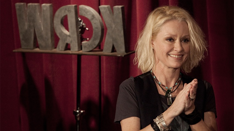 Grammy Award-winning singer Shelby Lynne performed a solo acoustic set in the intimate setting of Apogee's Berkeley St. Studios in front of a live audience early this year.