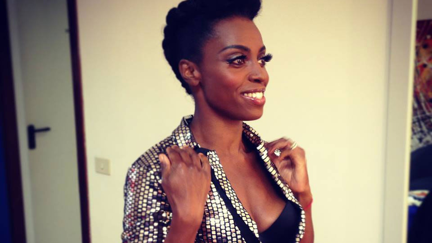 Skye is the sublime singer for UK trip-hop heroes Morcheeba and performed songs from her stirring solo work on Morning Becomes Eclectic.