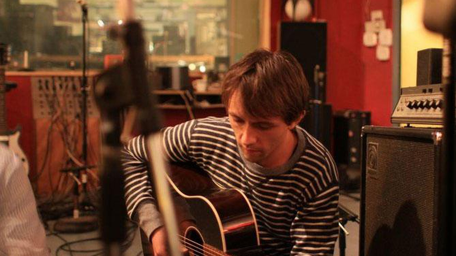 Norwegian wunderkind Sondre Lerche performs his breezy pop songs for Morning Becomes Eclectic at 11:15am.