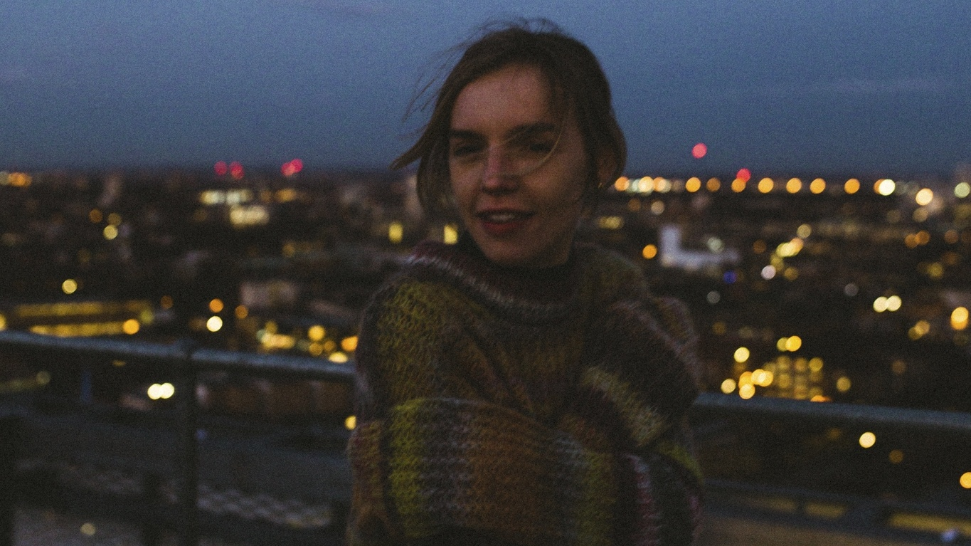 Amber Bain is the voice and songwriter behind The Japanese House. After releasing 4 EPs in the last four years, she's now come out with her debut full length album Good at Falling.