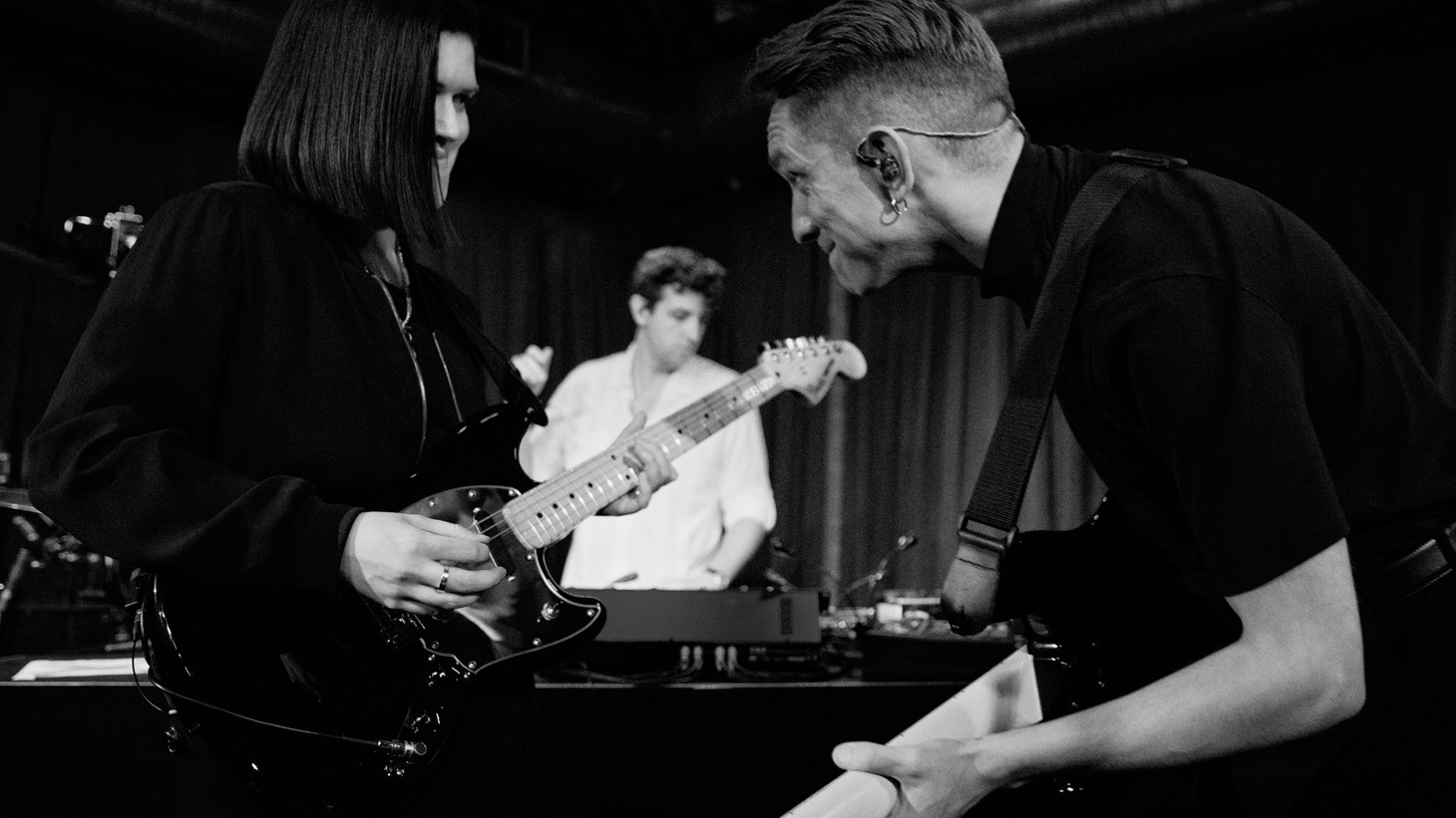 The trio behind The xx have been playing music together since they were teenagers and have sold millions of records. On I See You, they step boldly into the limelight and we share highlights of a recent live session recorded at Apogee studio.