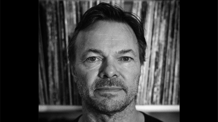 Pioneer of club culture Pete Tong joined KCRW's DJ Travis Holcombe in conversation about his work history with The Heritage Orchestra, his process of reimagining classic tunes, and his…
