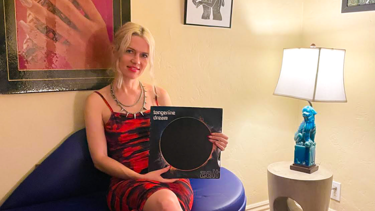 """For KCRW's """"Private Playlist,"""" Gel Set selects her most satisfying sounds for hot dancefloors and cold winter nights, from Tangerine Dream to Machine Girl."""
