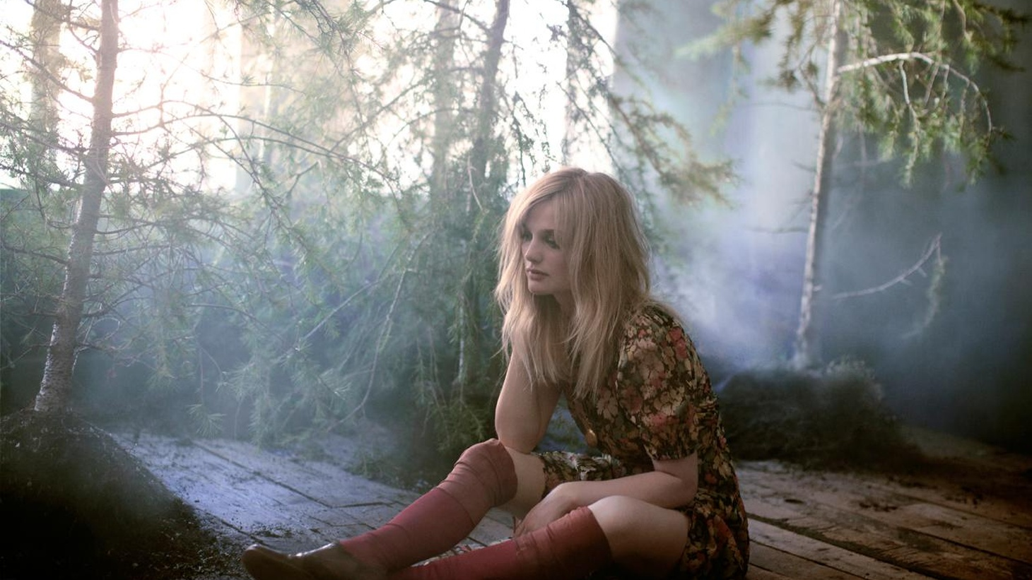 LA-based singer Alison Sudol, better known as A Fine Frenzy, spins a fable around a pine tree on her third release.