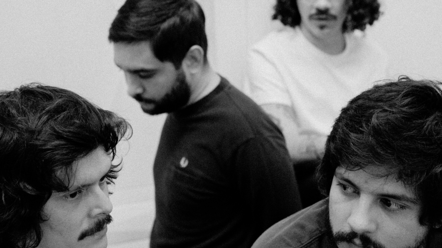 Costa Rica is a vacation destination that many Americans enjoy, so we thought we'd import a promising group from San Jose that has caught the shoegaze wave called Adiós Cometa.