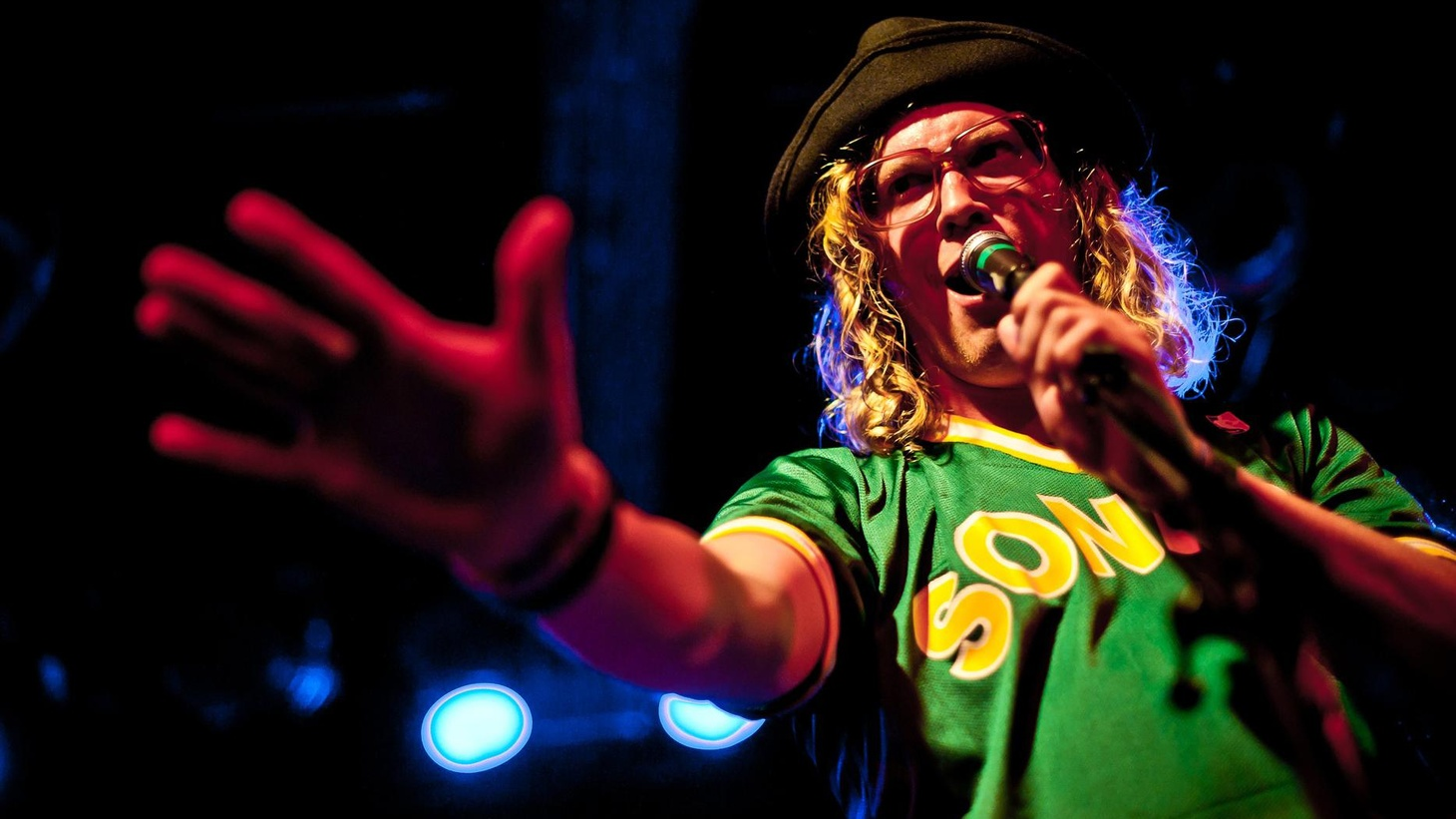 R&B singer Allen Stone has been gaining steam over the last year with a confessional lyrical style that integrates classic soul with catchy hooks.