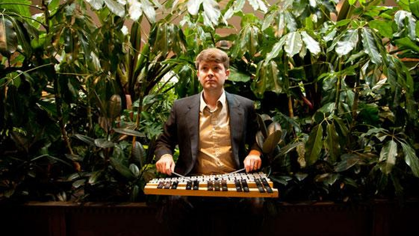 Bright Moments is the moniker for Kelly Pratt, who's toured as part of Coldplay and LCD Soundsystem. He created this project to make his own music in his spare time.