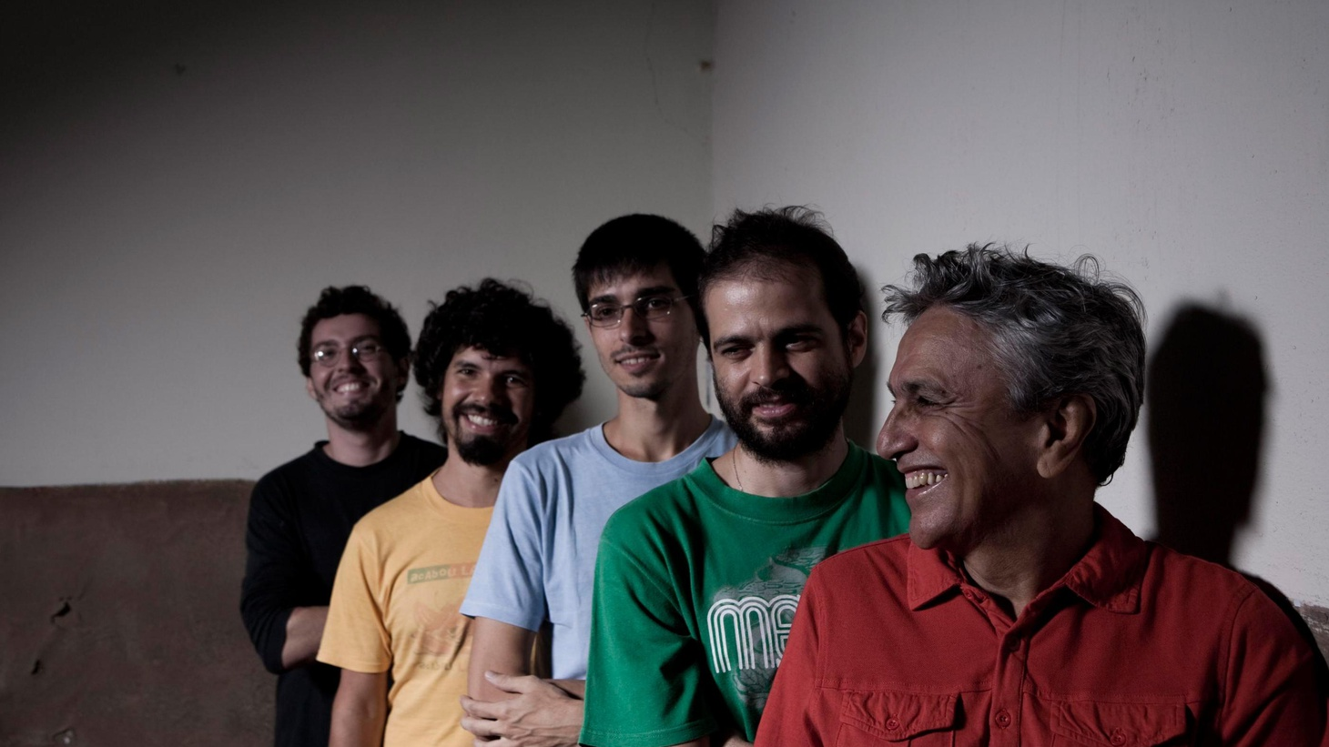 Caetano Veloso's latest album spotlights a timeless entertainer's fantastic work. It fuses traditional Tropicalia style and the current sound of Rio's indie pop landscape.