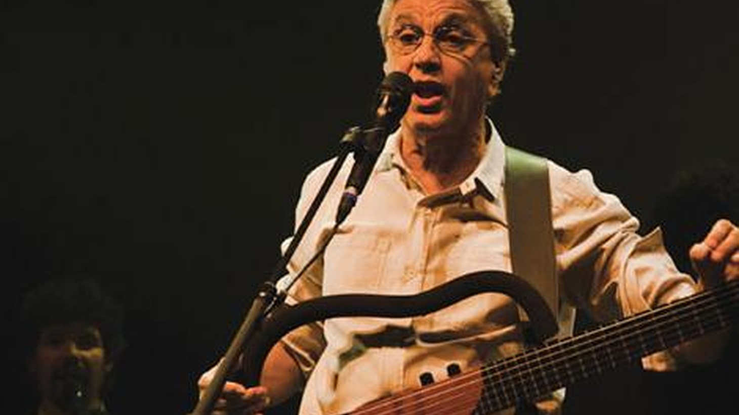 Red Hot and Rio 2, a tribute to the Brazilian Tropicalia movement of the late 60's, features a brilliant assortment of artist collaborations, including Caetano Veloso.