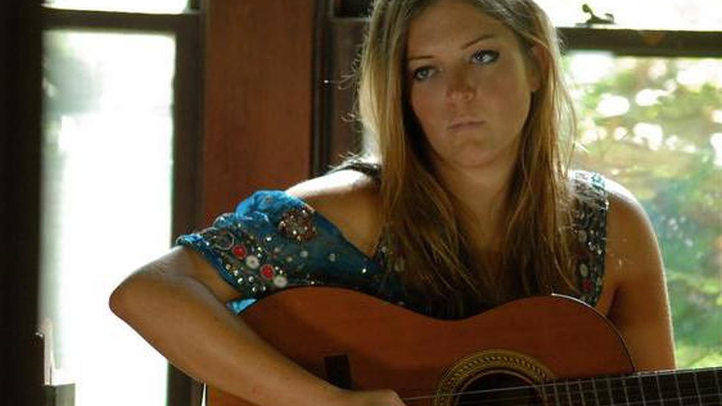 There is no doubt musical talent runs in the family. The daughter of recent Morning Becomes Eclectic guest Rosanne Cash and country musician Rodney Crowell, Chelsea Crowell is forging her own musical direction...