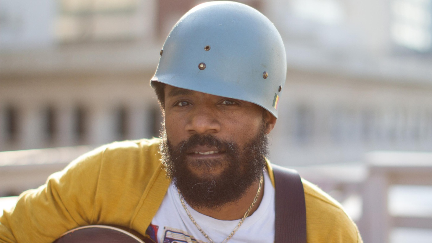 Soul troubadour Cody ChestnuTT teams up with killer guitarist Gary Clark Jr as they sizzle through Today's Top Tune.