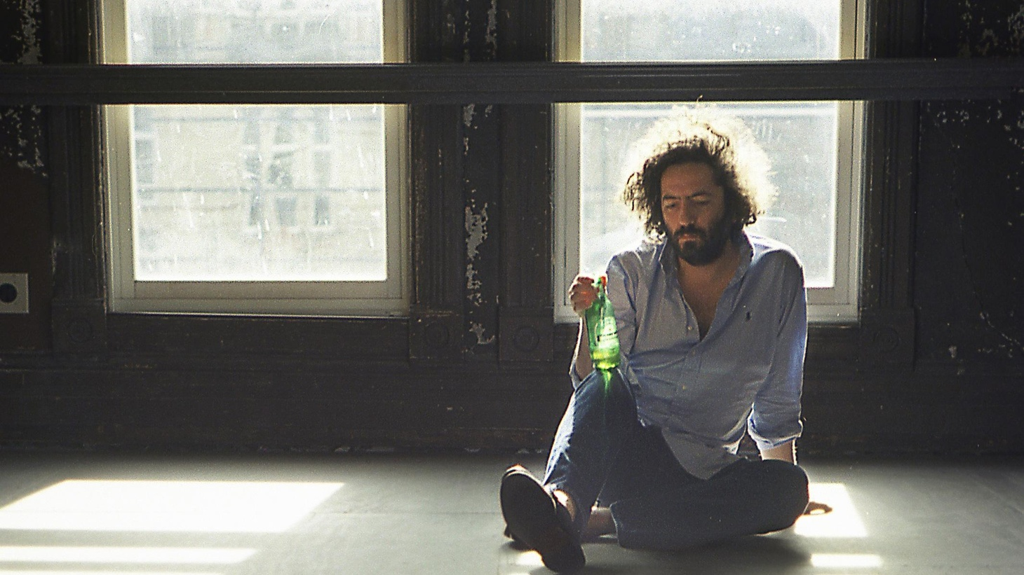 Destroyer's Dan Bejar thought it tiresome to record another record in English, so he turned to the songs of the Spanish rocker Antonio Luque and covered some of his favorites.
