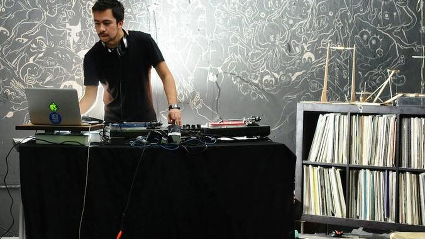 Popular Chilean mixmaster DJ Raff makes his US debut with Latino & Proud, an inspired bi-lingual fusion of bass-heavy electronica...