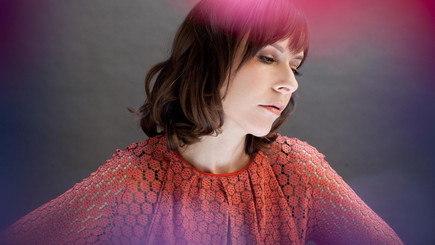 Eleni Mandell invites friends in fellow LA bands Lavender Diamond, Los Lobos and The Bird & The Bee to collaborate on her eighth recording...