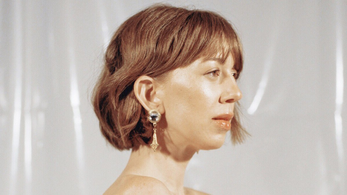 """LA-based artist Ella Vos was on her first North American tour when she was diagnosed with Lymphoma.Writing songs like """"Temporary,"""" Vos saw this as a way to work through her illness and healing process."""