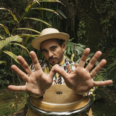 Italian master percussionist and talented multi-instrumentalist Gabriel Poso has a feel for Afro-Latin percussion and drum patterns.