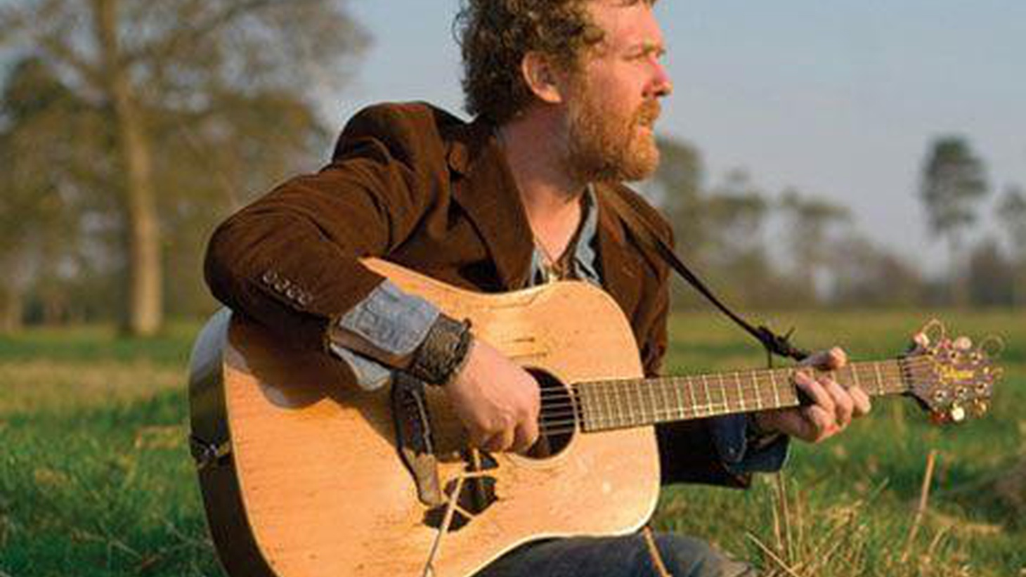 Glen Hansard has followed up an incredible solo album with an EP released late last year featuring three new songs.