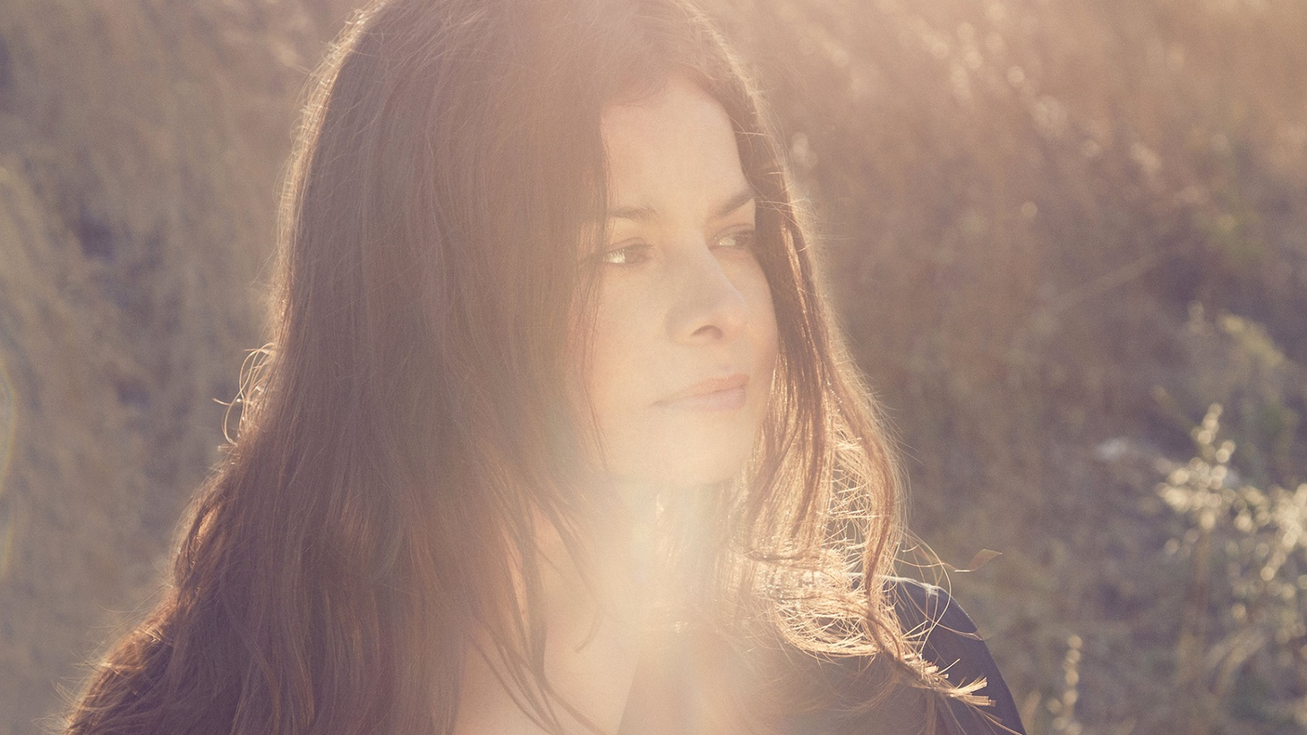 Enigmatic frontwoman Hope Sandoval met My Bloody Valentine drummer Colm Ó'Cíosóig almost two decades ago in a dark London nightclub. There they forged a collaboration and their influential sound.