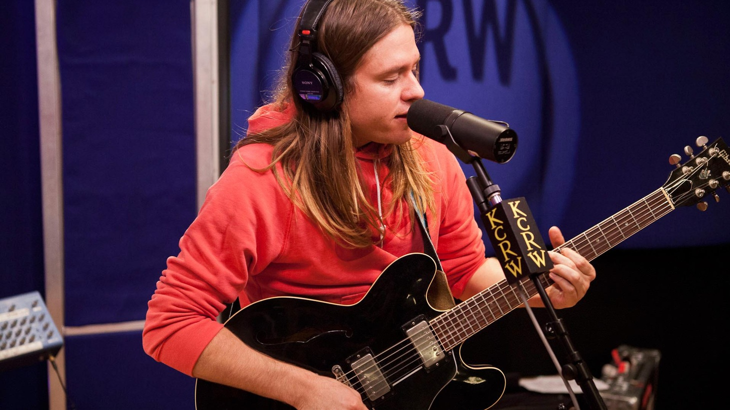 Johnathan Rice graced KCRW studios last week for a live performance on Morning Becomes Eclectic...