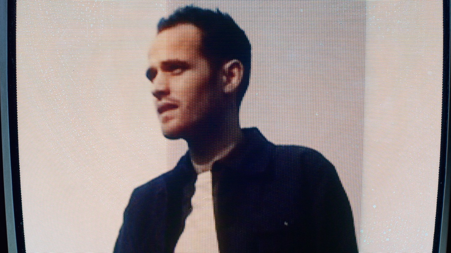 """After a short hibernation, """"Mind's Eye"""" is the first new track by Jordan Rakei in 2019. Inspired by dystopian visions of the future,the subject of the song experiences a technological malfunction, flooding the """"Mind's Eye"""" with chaos."""