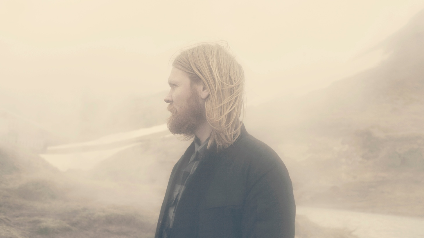 Just last month, Icelander Júníus Meyvant unleashed his music via a full length debut in his homeland, capturing many Nordic countries with his sound.