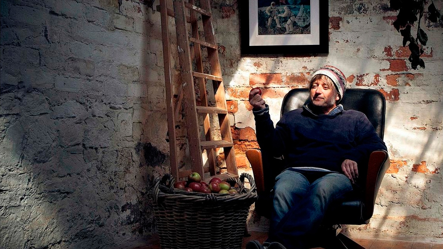 Fife Kenny Anderson, aka King Creosote, plays with push and pull that tradition and technology (or analogue and digital) hold on us while creating the feeling of being caught in a web somewhere between Heaven and Earth.