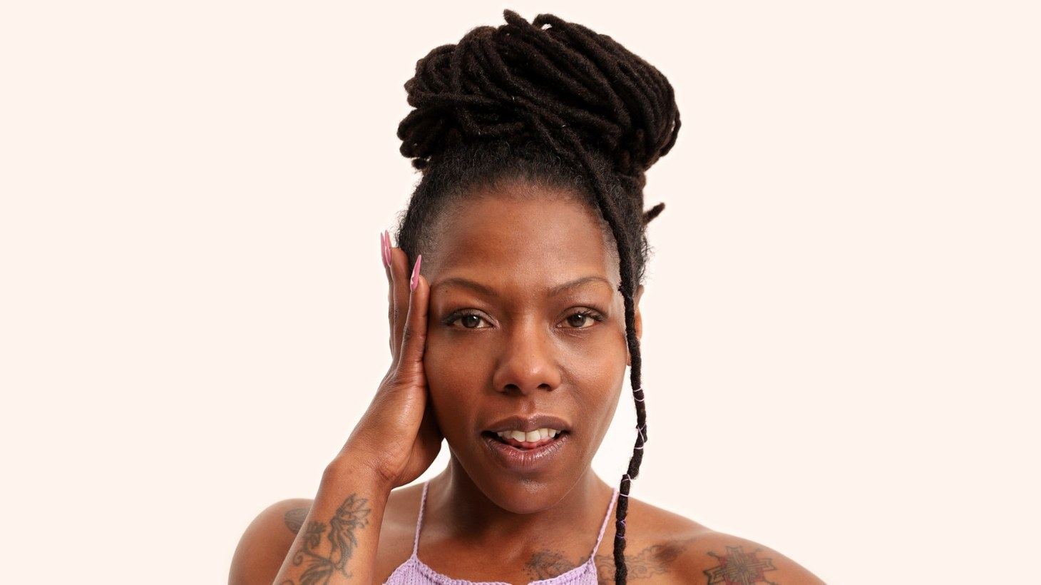 """Afro-Cuban entertainer La Dame Blanche has revealed the 10 songs that make up Ella , her latest album. A celebration of womanhood we turn to """"Cogelo Con Calma"""" or Take It Easy."""