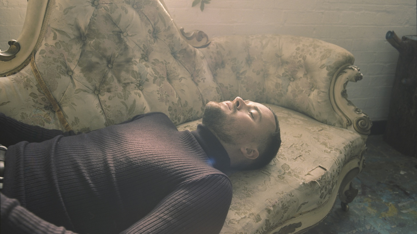 """Personal and poignant, Maverick Sabre's sound cuts like a knife. For the past 2 years, the Irish artist has been piecing his new album together alongside friends and collaborators. """"Into Nirvana"""" is just that."""
