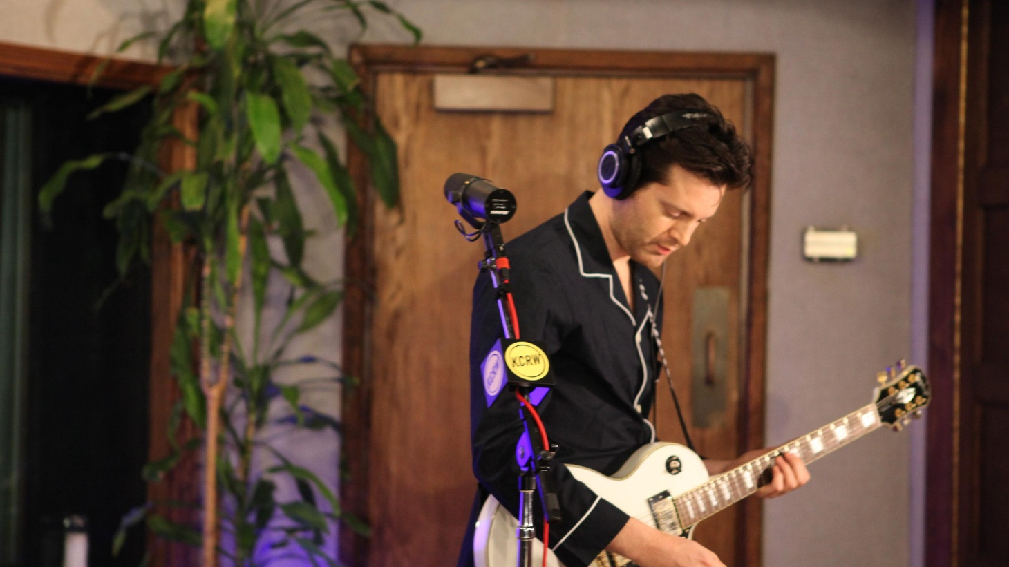 LA-based musician Mayer Hawthorne wore pajamas for his recent appearance on Morning Becomes Eclectic. But, beyond that, he turned in a great live performance...