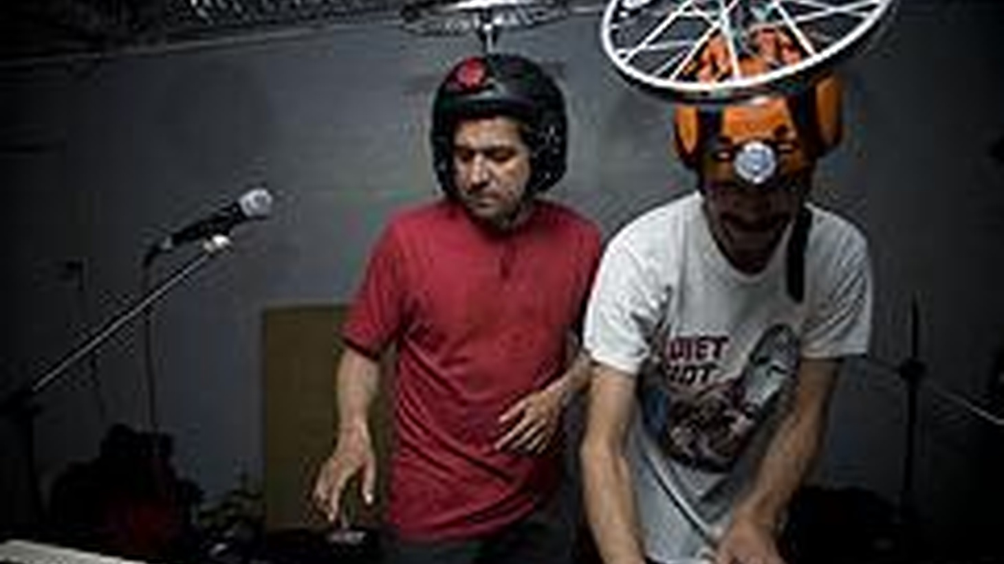 ...from Picotero.   The Colombian duo Monareta started out by spinning break-beat and hip-hop flows in art galleries in Bogota.,,