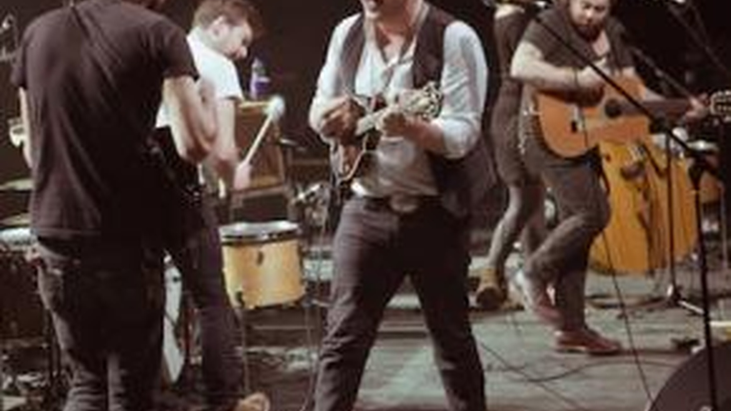 UK folk rockers Mumford & Sons have really struck a chord with audiences thanks to epic live shows and a hugely successful new album.