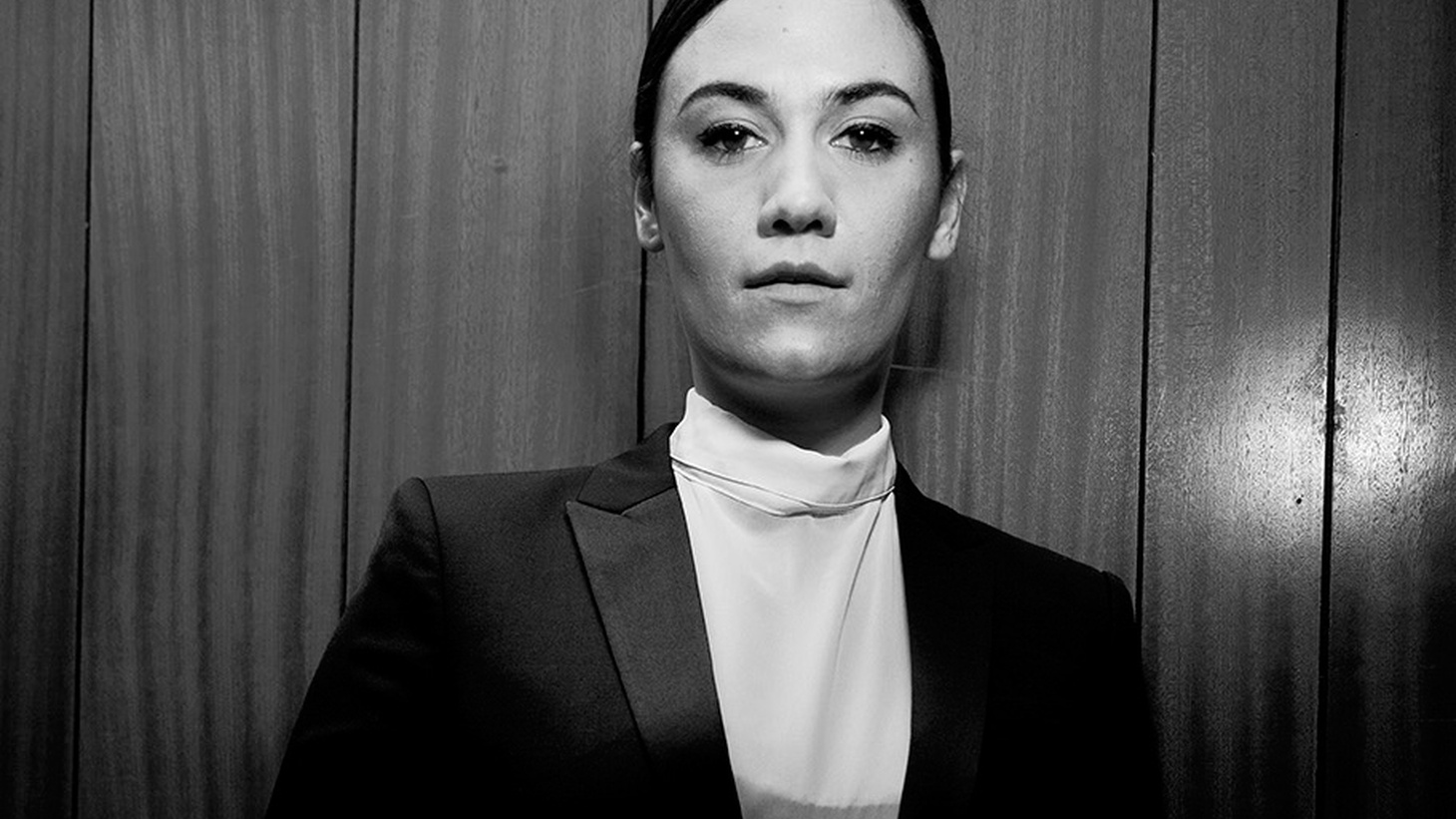 London-based songwriter Nadine Shah has a dark soulful voice and sings songs filled with drama about complicated love.