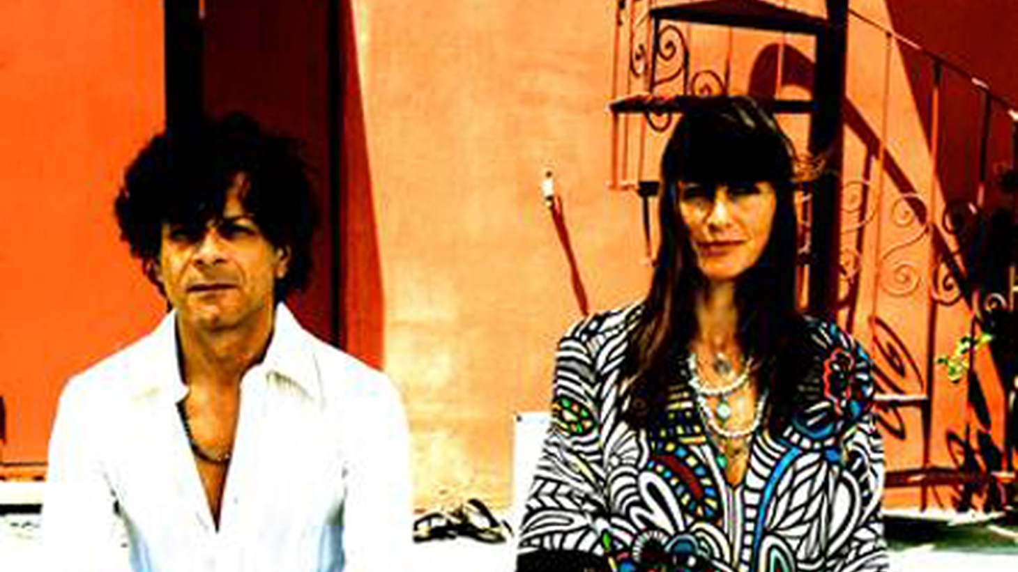 Producer and Jazz revivalist Nicola Conte collaborates with Brazilian singer Stefania Dipierro on a rich collection of songs showcasing originals and standards in her sultry Bossa stylings.