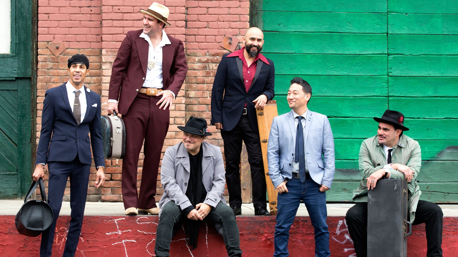 """Honoring its 21st anniversary, Ozomatli cover hits from the classic songbook of Mexico with songs like """"Bésame Mucho"""" and invites artists like Herb Albert, Juanes and Gaby Moreno to record with them."""